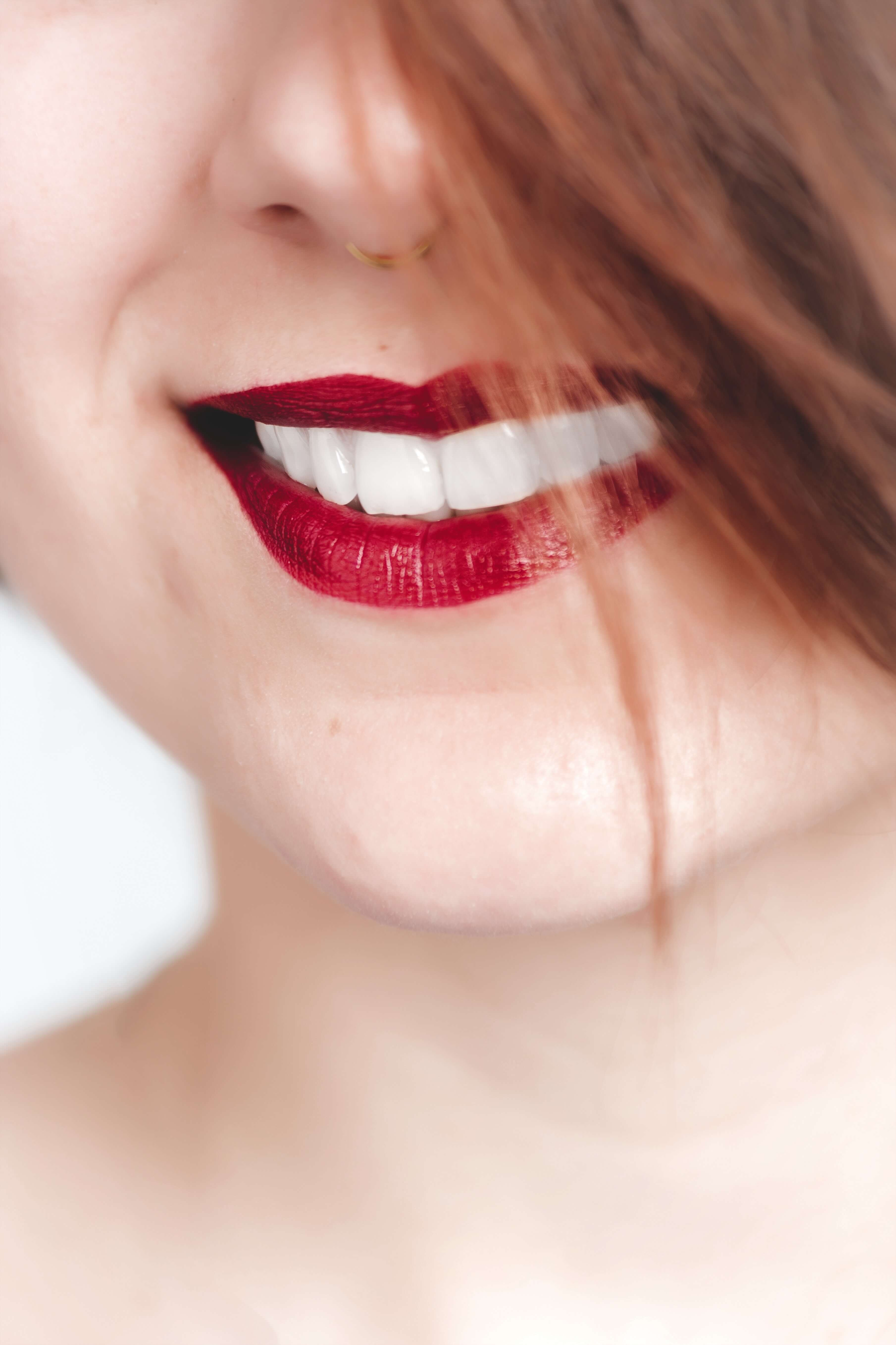 How To Use Snow White Teeth Whitening Kit